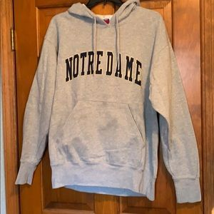 Note Dame embroidered sweatshirt